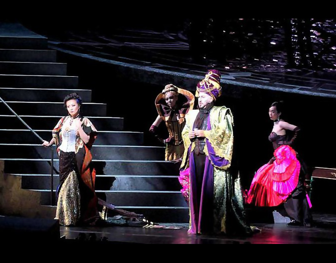 "Aichi Prefectural Art Theater: as Giulietta in ""Les Contes d'Hoffmann""